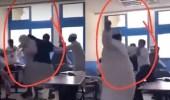 بالفيديو.. طالب ضخم يعتدي على زملائه بالضرب داخل الفصل