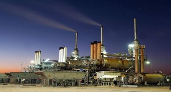 النفط يتعافى وسط تفاؤل بتمديد خفض الإنتاج