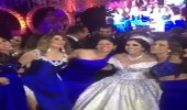 بالفيديو.. عروس وصديقاتها تشعلن حفل زفافها برقصهن
