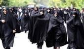 السجن 24 شهر لإيرانية نزعت حجابها علنًا