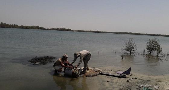 بالصور.. العثور على ألغام حوثية قبالة سواحل ميدي
