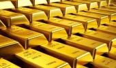 الذهب يتراجع هامشيا وسط استقرار الدولار
