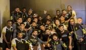 العميد يحتفل بفلانويفا بعد اقتناص جائزة أفضل لاعب في الموسم