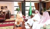 الأمير فهد بن سلطان على الاستعدادات لإقامة بطولة تبوك الدولية