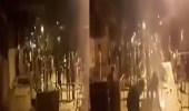 """بالفيديو.. أحوازيون يغلقون الطريق أمام القوات الإيرانية بـ """" العين """""""