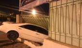 بالصور.. اقتحام سيارة لجدار مدرسة بالطائف