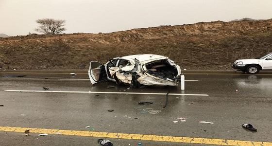 بالصور.. مصرع وإصابة 5 من أسرة واحدة في حادث مروع بالباحة