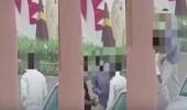 بالفيديو.. القبض على عصابة اعتدت على شخص وسرقته بطريق عام