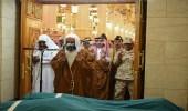 جموع المصلين تشيع جثمان الشهيد الحربي في المسجد النبوي
