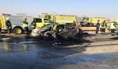 وفاة 5 أشخاص إثر اصطدام شاحنة بسيارتين في عرعر
