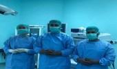 فريق طبي بمستشفى رويضة العرض يعيد الحركة لِيَد طفلة