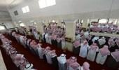 """جموع المصلين بمحافظة بارق تؤدي صلاة الميت على شهيد الواجب """" العمري """""""