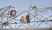 """رغم التقلبات الجوية.. عمل متواصل من مهندسي """" الكهرباء """" ويؤكدون: سعداء بذلك"""