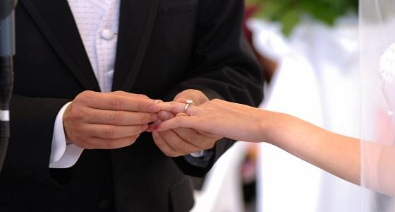 رفضت الزواج منه فعاقبها بالزواج من صديقتها المقربة