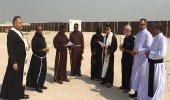 بعد بناء كنيسة بالدوحة.. قطريون يهاجمون تميم: الله يسود وجهك