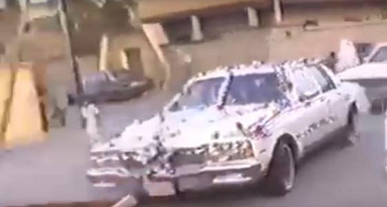 بالفيديو.. عريس يتقدم لعروس بطريقة رائعة قبل 35 عاما بالرياض
