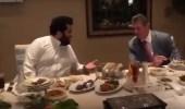 بالفيديو.. تركي آل الشيخ يتناول العشاء مع نجوم المصارعة المتواجدين بالمملكة