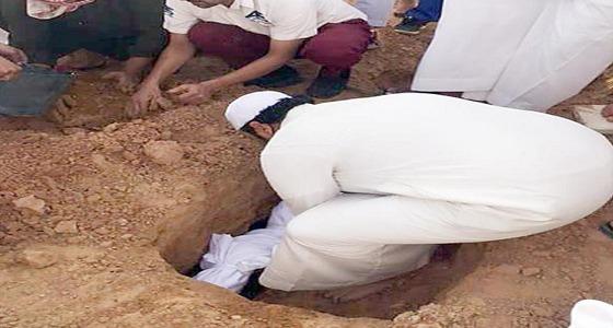 بالصور..تشييع جثمان طفلة الخرج ضحية العاملة الإثيوبية