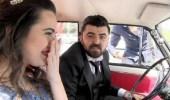 عروسان يتعرضان لأغرب موقف خلال موكب زفافهما