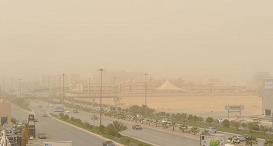 """"""" الحصيني """" : الغبار يودع حائل ويخيم على القصيم والرياض"""