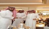 بالصور.. الأمير الوليد بن طلال يفي بوعده للاعبي الهلال