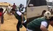 بالفيديو.. أسطورة الهلال يلعب مع أطفال الروهينجا ببنجلاديش