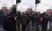 """بالفيديو.. اشتباكات بين جماهير الريدز والذئاب.. والـ """" يويفا """" يحقق"""
