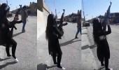 بالفيديو.. طفلة تطلق النار بالرشاش الآلي أفضل من الرجال