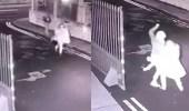بالفيديو.. لص يطعن سيدة بطريقة وحشية لسرقتها