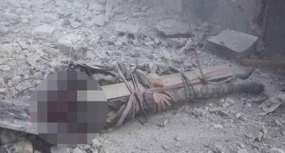 بالصور.. داعش تُنهي حياة الأسرى بطريقة بشعة في سوريا