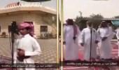 بالفيديو.. طالب يتبرع بمكافأته المدرسية لعتق رقبة سجين
