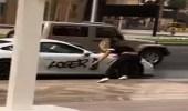 بالفيديو.. فتاة تشوه سيارة شاب رياضية بطريقة مروعة