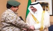 أمير تبوك يلتقي مدير عام الخدمات الطبية للقوات المسلحة