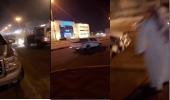 بالفيديو.. قائد مركبة مخالف يصدم دورية ويلوذ بالفرار