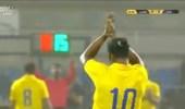 بالفيديو .. اللحظة الأخيرة للهريفي في الملاعب وسط تحية رونالدينيو والجماهير