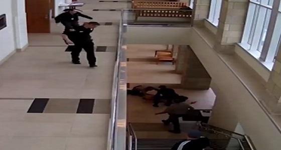 بالفيديو.. مجرم بنفذ أخطر عملية هروب من المحكمة عقب الحكم عليه بالسجن