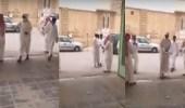 بالفيديو.. 600 كمامة من مدرسة لطلابها تجنبا للغبار