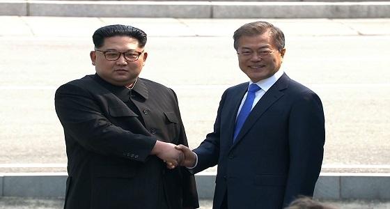 """نشطاء يطلقون منشورات منددة بـ """" بيونج يانج """" .. وكوريا الجنوبية تمنعهم"""