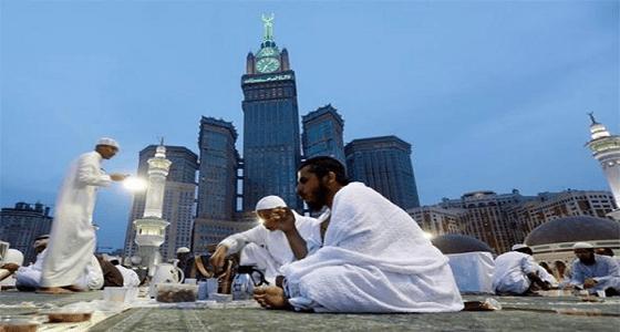 تحذير من توزيع وجبات الإفطار في ساحات الحرم بدون ترخيص