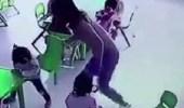 بالفيديو.. معلمة تعتدي على طفلة بطريقة مروعة