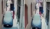 بالفيديو.. لحظة نهش كلب ضال لجسد طفلة أمام والدتها