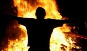 4 شباب يحرقون جثة صديقهم لإخفاء جريمة مخدرات