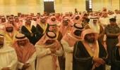 """أمير الرياض يؤدي صلاة الجنازة على إمام  مسجد """" تركي بن عبد الله """""""