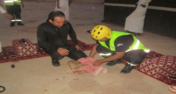مدني القريات ينقذ قطًا بعدما سقط في بئر ارتوازية