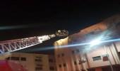 بالصور: إخماد حريق في مبنى سكني بالأحساء