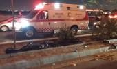 بالفيديو.. متهور يعكس السير في شارع عام ويسبب حادث مروع بالمدينة