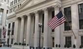 مسؤول بالخزانة الأمريكية: سنلاحق من يبيع الدولار الأمريكي للمصارف الإيرانية