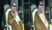 بالفيديو.. لحظة تأثر خادم الحرمين بعد رؤية أبيه الملك عبدالعزيز