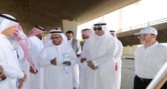 بالصور.. أمين جدة يدشن الجزء الخامس من المواقف الآلية أسفل جسر الملك فهد