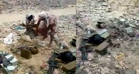 بالفيديو.. الحوثيون يهربون من مواقعهم مخلفين أسلحة